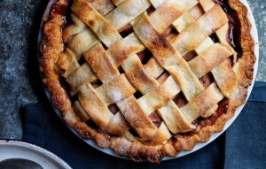 pear-pie-with-red-wine-and-rosemary1-940x600